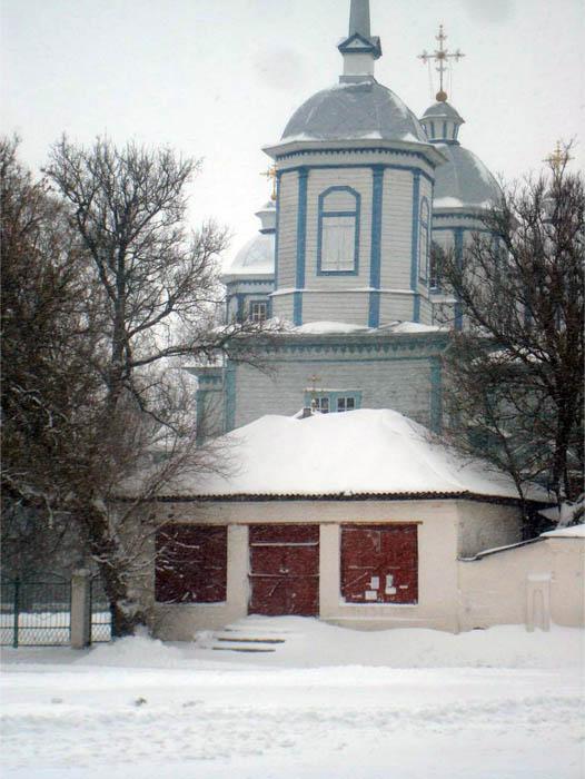 деревянная церковь в селе Головеньки